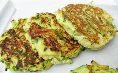 recette de cuisine avec des courgettes recette galettes de courgette 224 la ricotta au four
