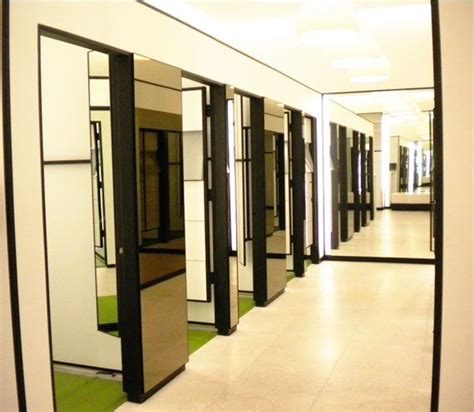 clothes changing room 32 best fitting rooms images on