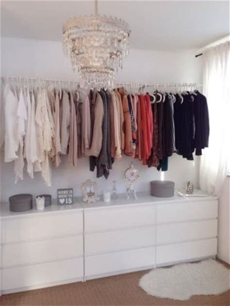 where to put your clothes in the bedroom die besten 17 ideen zu begehbarer kleiderschrank ikea auf
