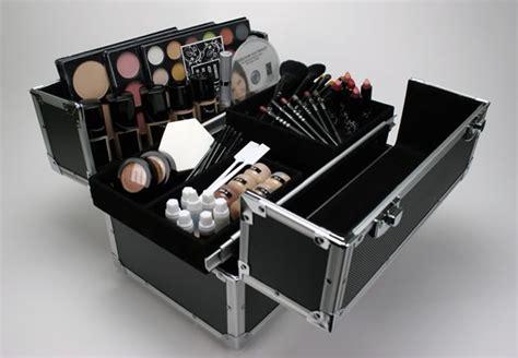 makeup artists professional master collection 28 piece mastery makeup kit professional makeup kits cara cosmetics