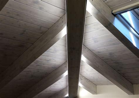 illuminazione tetto in legno illuminazione led travi legno comola impianti elettrici