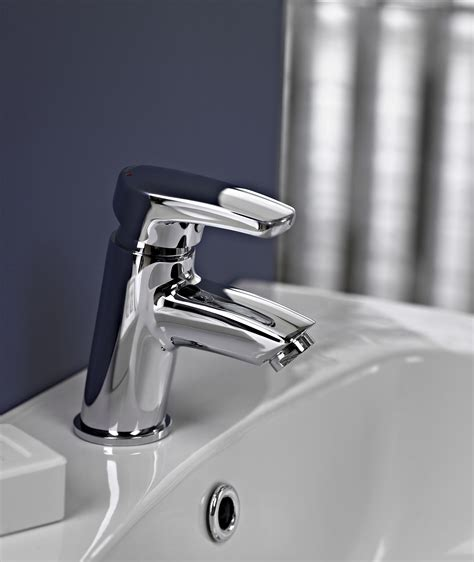 how to change bathroom sink taps replacing taps in bathroom 28 images how to replace or