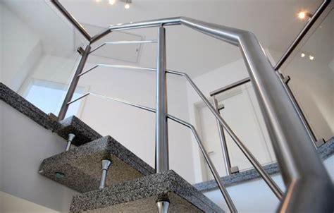 aussengeländer mit glas balkongelnder edelstahl mit glas kosten balkongelnder