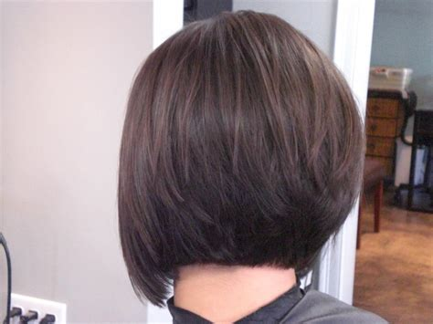 shoulder length layered hair shows back of head stacked bob haircut back view medium hair styles ideas