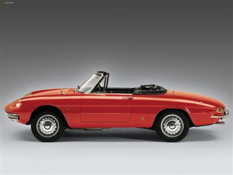 1966 Alfa Romeo Spider by Alfa Romeo Spider 1600 Duetto 105 1966 1967 Images