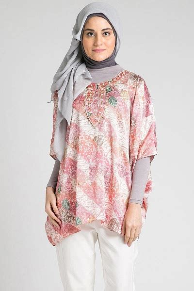 model batik sutra trendy model batik atasan model baju batik modern holiday and