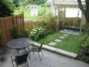 small patio ideas budget: small backyard designs on a budget lighthouseshoppecom