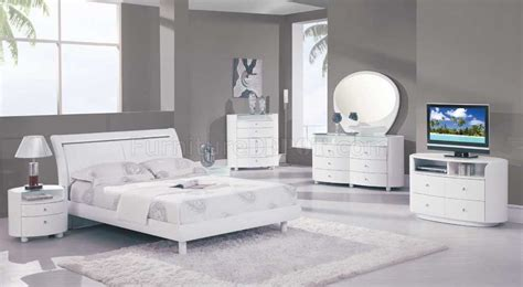 white high gloss bedroom furniture emily bedroom set in white high gloss finish by global