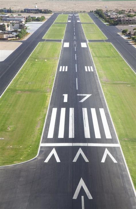 hong kong airport  runway  cost  billion