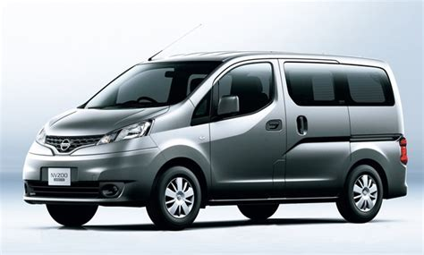 Nissan Transit by Nissan Planning Retail Nv200 Model To Combat Ford Transit