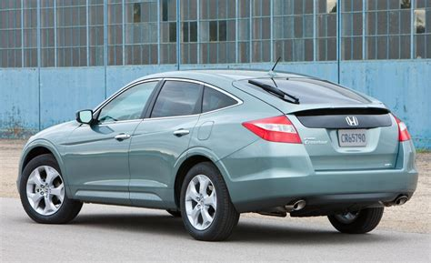 Honda Accord Crosstour 2010 by Car And Driver