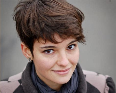 very short hairstyles for thick wavy hair very short hairstyles for thick hair