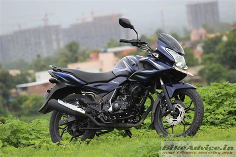 on the road review bajaj discover 150f 150s road test review pics engine