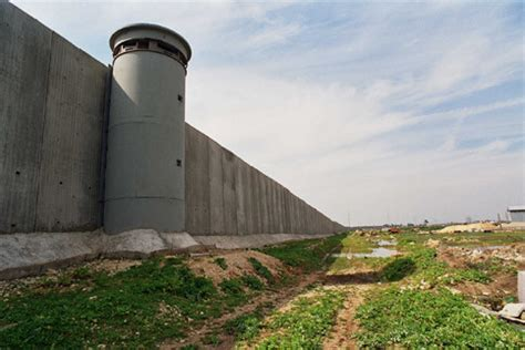 the wall and the gate israel palestine and the battle for human rights books is it a fence is it a wall no it s a separation barrier