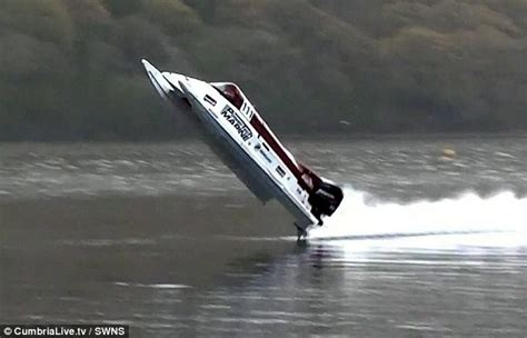 speed boat wreck astonishing moment powerboat racer cheats death at 130mph