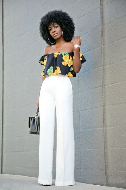 Z S Highwaist White picture of look with white high waist and floral the shoulder top