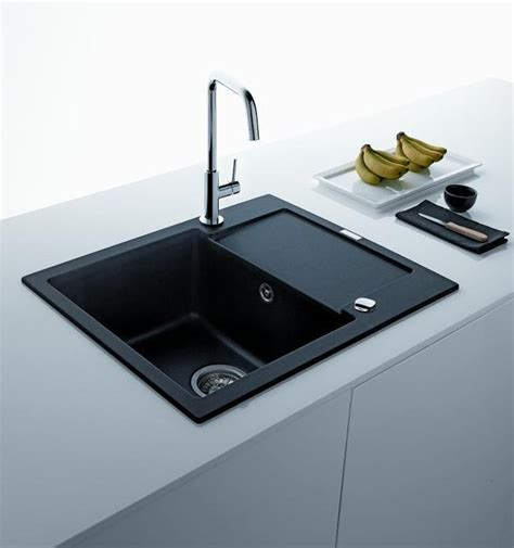 black kitchen sinks countertops and faucets 25 ideas adding black accents to modern kitchens