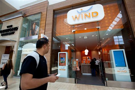 wind mobil wind mobile offers free phones wireless to refugee families