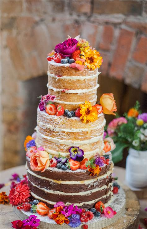 Flowers On Wedding Cakes by Edible Flowers For Wedding Cakes Fresh Edible