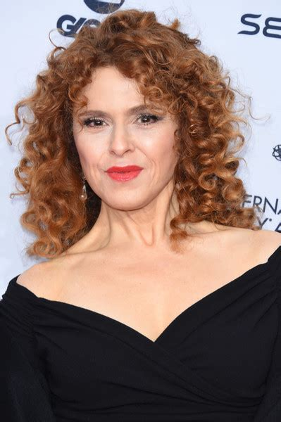 bernadette hairstyle how to bernadette peters medium curls hair lookbook stylebistro