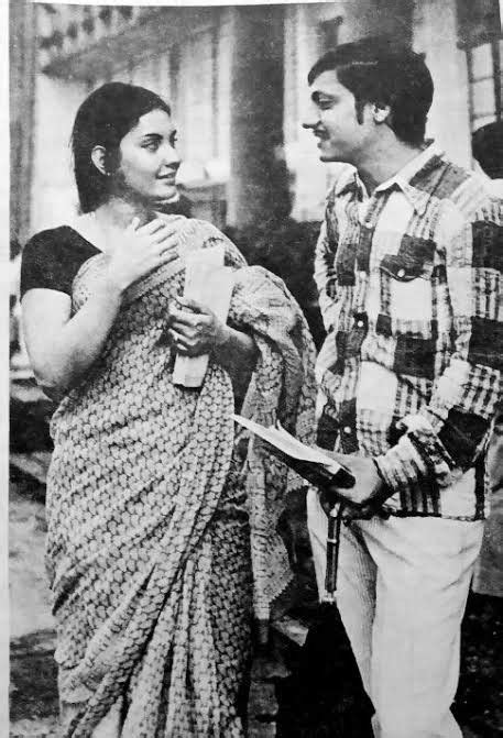 Vidya Sinha & amol palekar in rajnigandha   Old film stars