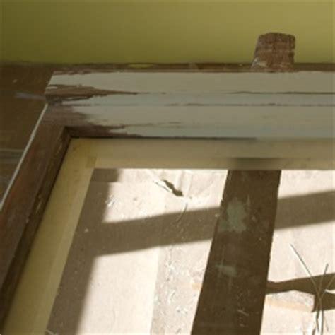 Fensterrahmen Abschleifen Lackieren by Holzfenster Streichen Fenster Lackieren Und Renovieren