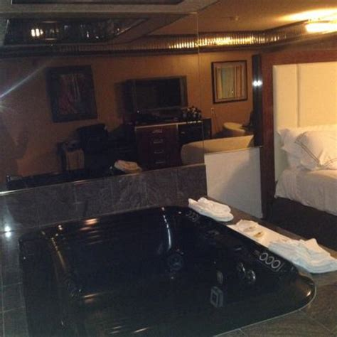 wendover rooms with tubs mini suite not updated picture of peppermill wendover hotel casino west wendover tripadvisor