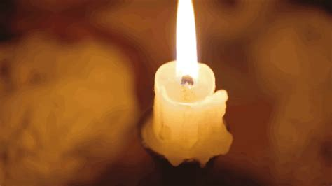 candele gif candle gifs find on giphy