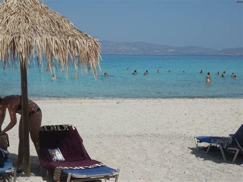 imagenes de vacaciones en la playa sombrilla en la playa