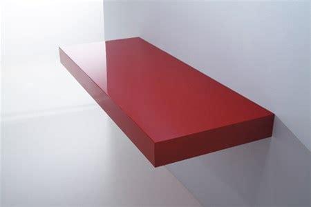 mensole bianche lucide mensola in legno rosso laccato