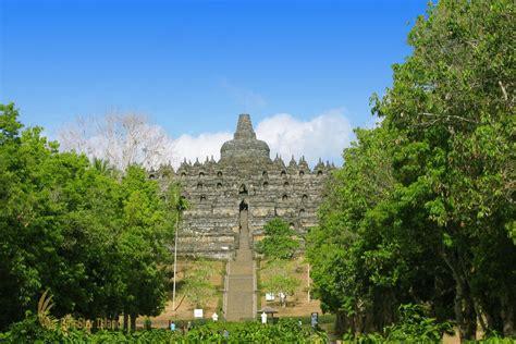 Piring Borobudur Jogja 1 borobudur temple yogyakarta places of interest central java indonesia