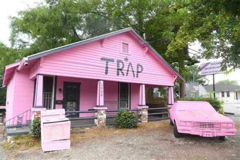 house music in atlanta 2 chainz s pink trap house closes down for new tenants