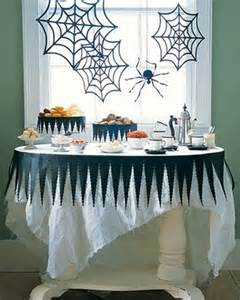 table decoration ideas for 43 cool halloween table d 233 cor ideas digsdigs