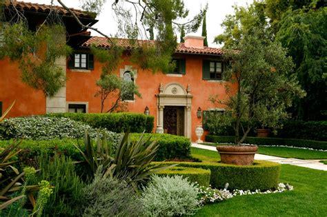 beautiful italian style garden  ept design