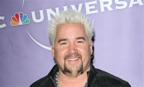 Fieri Hair Dresser by Fieri Crushed By Restaurant Critic Slams Ny Times