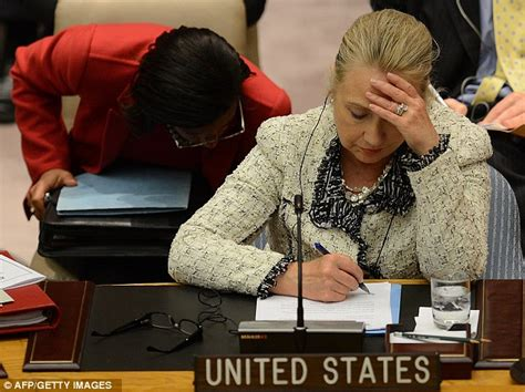 Where Does Hillary Clinton Work | hillary clinton caught doodling on her speech notes at u n