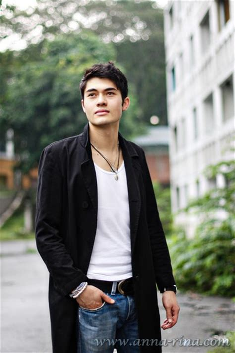 henry golding male model malaysia caeoo