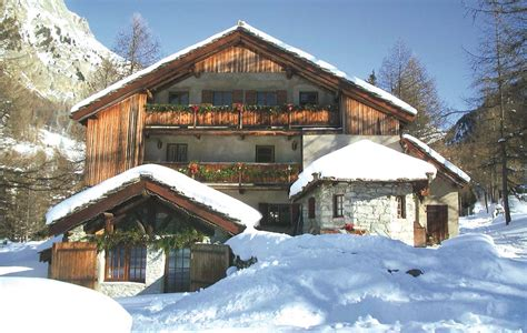 Hebergement Insolite Haute Savoie 1566 by Hebergement Insolite 224 Bramans Haute Maurienne Chalet