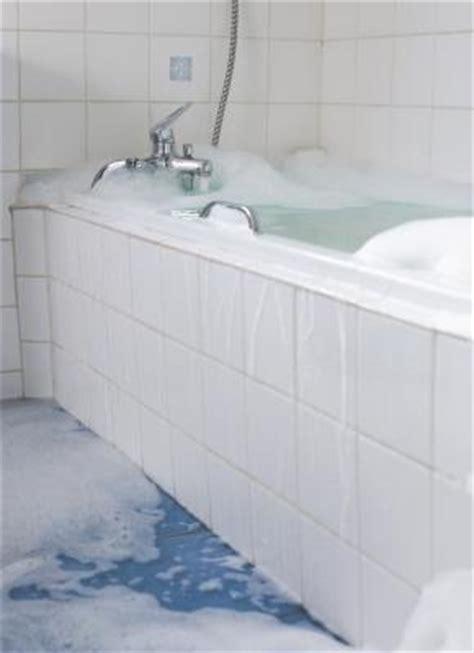 my bathtub is leaking how to fix a leaking bathtub drain home guides sf gate