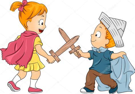 dibujos de niños jugando y peleando hermanos ni 241 o jugar duelo de espadas foto de stock