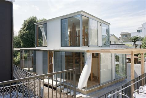 Small Home In Japan Teppei Fujiwara S Glass Clad Small House In Tokyo