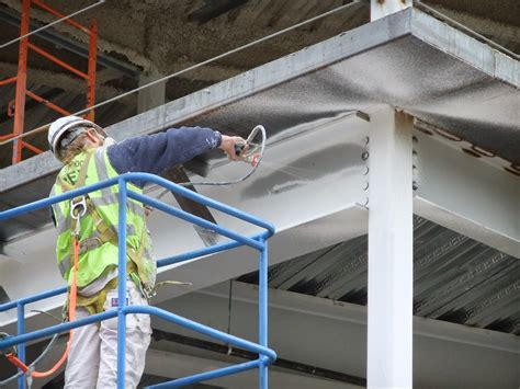 protection of metal structures with fireproof paint