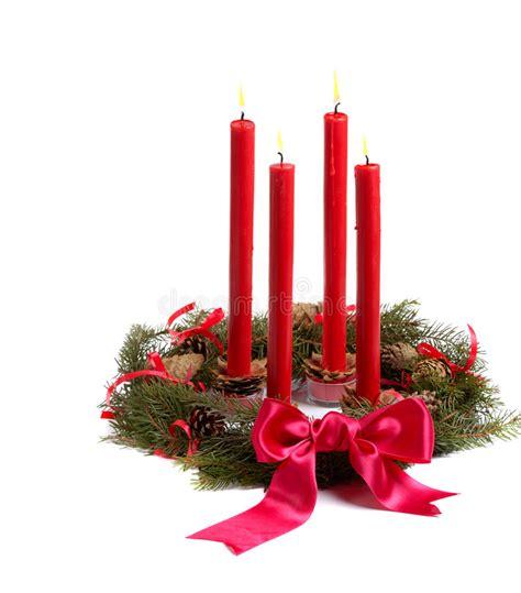 candele rosse corona di natale con le candele rosse fotografia stock