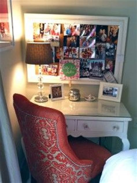 Small College Desk 24 Best Images About Room Decor On Rooms College Dorms And Floor Space