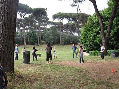 consolato egiziano a roma ginnastica cinese nel parco foto di villa ada roma