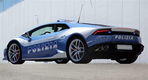 by the polizia di stato italian state police taken at a polizia lamborghini donates hurac 225 n lp 610 4 polizia to the
