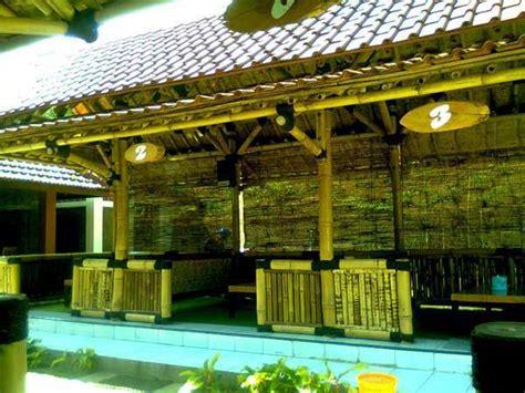 design interior cafe dari bambu contoh desain cafe bertema bambu