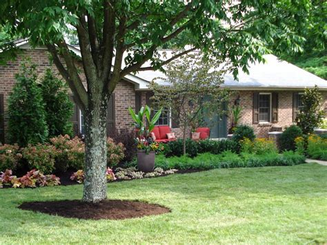 Curb Appeal Landscaping Lush Landscaping Creates Major Curb Appeal Diy