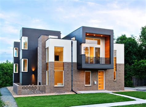 Contemporary house exterior in black, brown and white