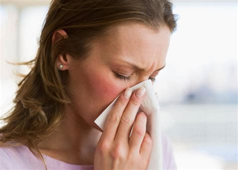 stuffy nose how to clear stuffy nose in just one minute be well buzz